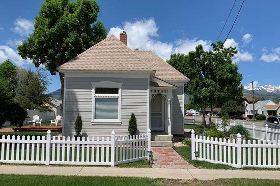 Zella's House-A Victorian Cottage